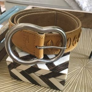 SIZE S FOSSIL YELLOW LEATHER BELT